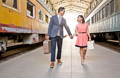 Lov this #engagement photo!!! California Love Engagement Photos on a Train