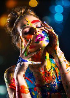 couleur lie par Dave Kelley   - Chameleon Club - #Chameleon #Club #couleur #Dave #Kelley #lié #par Art Photography Women, Paint Photography, Creative Portrait Photography, Creative Portraits, Artistic Photography, Photography Poses, Makeup Photography, Photographie Art Corps, Fotografie Portraits