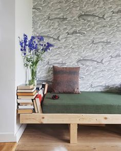 6 types of daybeds that will enhance your living room (or any other room - Decoration For Home Living Room Furniture, Home Furniture, Living Room Decor, Furniture Design, Antique Furniture, Wooden Furniture, Living Room Daybed, Outdoor Furniture, Furniture Stores