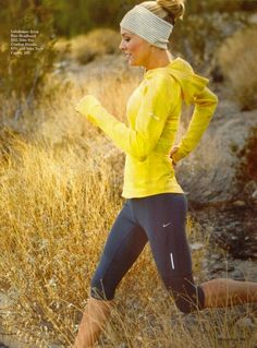 If only i was a runner. Really cute running outfit and definitely my style. I hate when my workout clothes flop around all over the place, nice and fitted clothes for me please. Cute Running Outfit, Cute Workout Outfits, Workout Attire, Workout Wear, Nike Workout, Running Outfits, Workout Capris, Workout Style, Workout Leggings