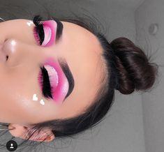 valentines makeup looks Pink Eye Makeup, Makeup Eye Looks, Beautiful Eye Makeup, Colorful Eye Makeup, Cute Makeup, Pretty Makeup, Eyeshadow Makeup, Hooded Eye Makeup, Eyeshadow Palette
