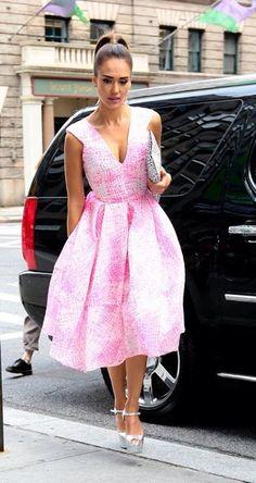 Chicas falta muy poco para el 14, así que están a tiempo para escoger su outfit a tiempo, les gusta rosa o rojo?  les doy opciones.