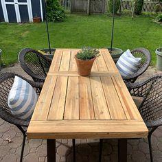 Outdoor Wood Table, Wooden Garden Table, Cedar Table, Patio Table, Outdoor Dining, Wooden Patios, Diy Patio, Backyard Ideas, Backyard Landscaping