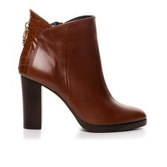 80214_COGNAC LEATHER www.mourtzi.com #booties #mourtzi #cognac #outfit #officelook #ankle_boots #greekdesigners