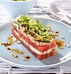 Millefeuille de tomates et mozzarella Mozzarella, Love Eat, Starters, Tuna, Entrees, Sandwiches, Nutrition, Cooking, Recipes