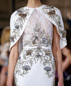 Couture , New trends and luxury details that make a difference Look Fashion, Fashion Details, High Fashion, Couture Mode, Couture Fashion, Couture Dresses, Fashion Dresses, Cape Gown, Beautiful Gowns