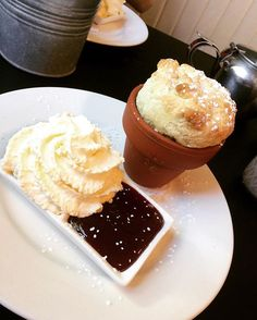 Usually I'm all #wewantplates except when there's flowerpot scones