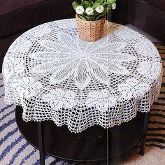 Скатерть, связанная крючком, украсит ваш стол и интерьер комнаты. Схема. Filet Crochet, Crochet Doilies, Lily, Holiday Decor, Table, Crocheting, Pasta, Home Decor, Patterns