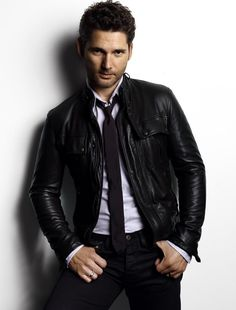 Eric Bana- sexy! And nothing sexier than a guy wearing black!!!