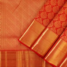The opulence of the Kanakavalli kanjivaram sari comes into the spotlight for bridal and trousseau choices in the Valli Muhurtham curation.