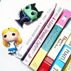 Why does English books are always the same size and the German ones aren't? - #patrickness #walkerbooks #alittlesomethingdifferent #attachements #eleanorandpark #rainbowrowell #allthebrightplaces #jenniferniven #walkerbooks #penguinbooks #swoonreads #orionbooks #book #books #read #love #reading #instabook #buch #bücher #today #bookish #blog #blogger #bookworm #bookmark #lesen #bookstagram by lisalareyna