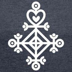 Love Charm Ástarstafur, Icelandic Rune Magic More Mais Rune Symbols, Magic Symbols, Symbols And Meanings, Sacred Symbols, Ancient Symbols, Icelandic Runes, Fractal, Scandinavian Folk Art, Vegvisir