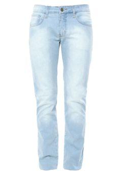 Calça Jeans Colcci Reta Alex hit azul, com lavagem estonada e cinco bolsos na parte superior. Modelagem reta com gancho médio e cinco passantes no cós. Confeccionada em jeans, que oferece um caimento acentuado e toque macio. Fechamento por zíper e botão. Medidas do Modelo: Altura 1,87m / Tórax 100cm / Manequim 40/42.