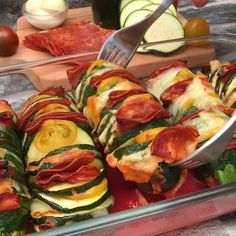 Hassleback Courgette, the recipe video by Chefclub Vegetable Recipes, Vegetarian Recipes, Cooking Recipes, Healthy Recipes, Tasty Videos, Food Videos, Good Food, Yummy Food, Top Recipes