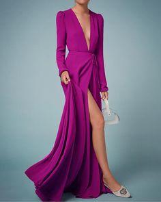 """8 curtidas, 1 comentários - LAB DRESS® (@labdress) no Instagram: """"Beatrice em musseline importada Vestidos SOB MEDIDA em cores especiais! infos via direct e…"""" Event Dresses, Prom Dresses, Bridesmaid Dress, Formal Dresses, Dress Vestidos, Satin Dresses, Mom Dress, Dress Skirt, Errands Outfit"""