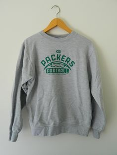 Men's Green Bay Packers Majestic Green Against the Odds Synthetic Pullover Therma Base Sweatshirt