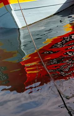 boat hull reflection port of Guilvinec Boat Pics, Water Images, Boat Art, Love Boat, Landscape Artwork, Water Reflections, Sea World, Abstract Photography, Belle Photo