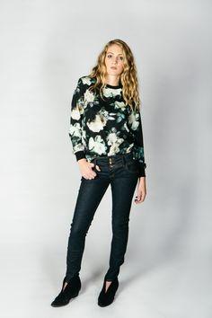 Power Skinny Jeans + Denim Pants + Dark Wash + Colcci                                                                                                                                                                                 Mais