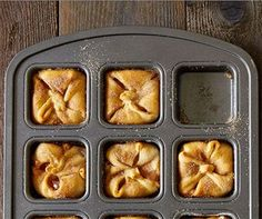 Your Brownie Pan is for much more than brownies. This versatile piece of bakeware handles everything from breakfast recipes to main dishes, and (of course!) lots of fun dessert recipes. Just when you thought you couldn't love the Brownie Pan more, here are 12 unique recipes you can make in it. Don't have a Brownie …