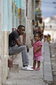 Share the music . Cuba