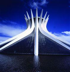 Niemeyer - CATEDRAL DE BRASÍLIA :: Michel Moch