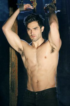 tyler hoechlin apparently. I have no idea who this is but the pic is steamy!
