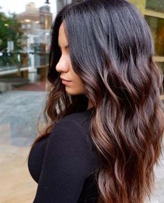 If you want to bright up your personality with your hairstyle check out theses best of balayage hair color styles for Brown Hair Balayage, Brown Ombre Hair, Brown Blonde Hair, Ombre Hair Color, Hair Color Balayage, Hair Highlights, Dark Balayage, Brunette Hair, Hair Colour
