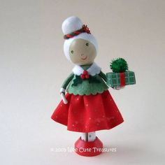 Mrs. Claus Christmas Clothespin Doll van WeeCuteTreasures op Etsy