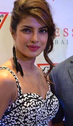 My favourite Actress Priyanka Chopra and actor Ranbir Kapoor Indian Bollywood Actress, Beautiful Bollywood Actress, Most Beautiful Indian Actress, Beautiful Actresses, Most Beautiful Women, Indian Actresses, Bollywood Fashion, Actress Priyanka Chopra, Priyanka Chopra Hot