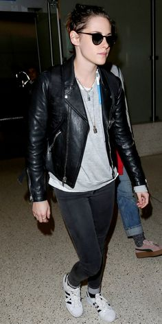 KRISTEN STEWART  Give your simple jean and sneaker combo an edgy twist by pairing them with a leather jacket.