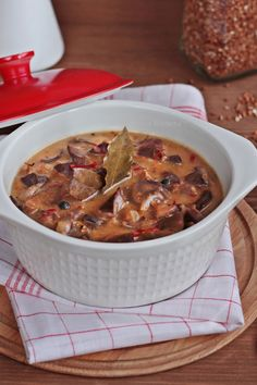 Stew from the stomachs of Poultry Polish Recipes, Polish Food, Candy S, Goulash, Wok, Cheeseburger Chowder, Pesto, Poultry, Stew