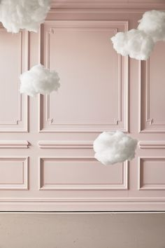 Put guests on cloud nine with these pretty puffs, made from paper lanterns spritzed with adhesive spray and coated with fiberfill. Schönheitssalon Design, Store Design, House Design, Beauty Room Decor, Beauty Salon Decor, Boutique Decor, Boutique Interior, Hanging Clouds, Cloud Decoration