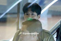 박보검 170216 인천공항 출국_싱가포르_팬미팅 [ 출처 : goldenbogum  https://twitter.com/goldenbogum/status/832172792942465025 ]