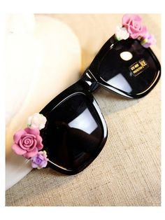 Black DIY Sunglasses With Flowers