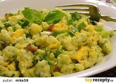 Zucchini gnocchi with eggs on bacon - Zucchini gnocchi with eggs on bacon - Bacon Zucchini, A Food, Food And Drink, Guacamole, Potato Salad, Healthy Eating, Low Carb, Vegetarian, Pumpkin
