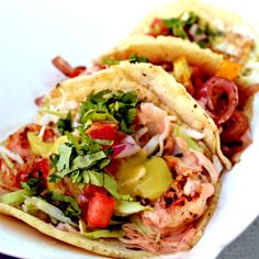 Here's a pic of a set of tacos we just grilled up a few minutes ago here at our lunch stop in #Irvine (18881 Van Karman, Irvine CA, we're here until 2P).  Service is coming along wonderfully and the weather couldn't be more perfect.  Hopefully your TGIF is just as spectacular!  #tacos #taco #gourmettacos #gourmetaco #foodie #instagood #follow #photooftheday #picoftheday #instamood #cool #awesome #yummy #foodporn #great #nom #yum #delicious #sohotaco #sohotacos