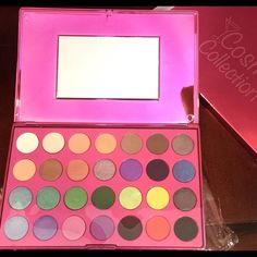 Cosmo Collection Eyeshadow Palette