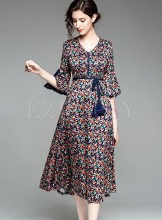 Fashion Tips 2019 Stylish flare half sleeve floral a line dress.Fashion Tips 2019 Stylish flare half sleeve floral a line dress Stylish Dresses, Simple Dresses, Casual Dresses, Summer Dresses, A Line Dresses, Dresses Dresses, Floral Dresses, Holiday Dresses, Dance Dresses