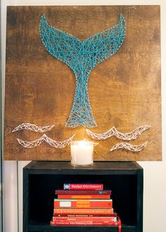 Diy whale tail string art kept do it yourself ip sanatı, sanat fikirler, sa Beach Crafts, Diy And Crafts, Arts And Crafts, Summer Crafts, Mermaid Bedroom, Nail String Art, Ideias Diy, Diy Wall Art, Craft Ideas