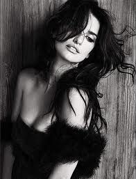 Spanish actress Penelope Cruz, looking extremely sexy in this black and shite shot for fashion magazine Mango. Penelope Cruz, Gorgeous Women, Beautiful People, Alas Marcus Piggott, Foto Real, Black And White Portraits, Actors, Classic Beauty, Divas
