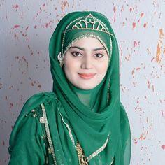 Arabian Beauty Women, Indian Beauty, Beautiful Muslim Women, Beautiful Hijab, Hijabi Girl, Girl Hijab, Hajib Fashion, Afghan Girl, Muslim Beauty