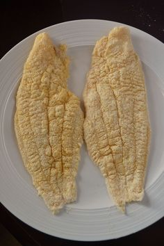 Southern Fried Catfish Recipe - Coop Can Cook - Fish recipes Meat Recipes, Seafood Recipes, Oxtail Recipes, Dinner Recipes, Cooking Recipes, Copycat Recipes, Cooking Ideas, Vegetable Recipes, Recipes