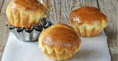 Çörek şeklinde bir tür Fransız ekmeği olan brioche tarifi, piştikten sonra aldığı hafif kahverengi renk, bol yumurta ve tereyağı içeriği ile bilinir.