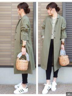 KORMARCHのステンカラーコート「フレアスリーブポイントロングジャケット」を使ったmihoニコのコーディネートです。WEARはモデル・俳優・ショップスタッフなどの着こなしをチェックできるファッションコーディネートサイトです。