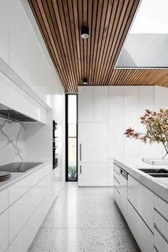 Kitchen Remodeling Trends 60 Gorgeous White Kitchen Design and Decor Ideas White Wood Kitchens, White Kitchen Decor, Kitchen Cabinets Decor, Kitchen Ideas, Kitchen Countertops, Kitchen Supplies, Kitchen Backsplash, Kitchen Pantries, Diy Kitchen