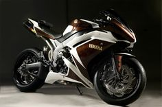 Shaw Speed & Custom - Yamaha R1 RSD custom