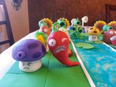 Zombies Birthday Cake Based on video game, Plants vs. Zombie Birthday Cakes, Zombie Birthday Parties, Zombie Party, 5th Birthday, Cake Topper Tutorial, Fondant Tutorial, Plantas Versus Zombies, Biscuit, Character Cakes