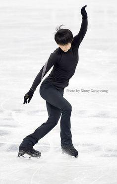 Anatomy Reference, Drawing Reference, Male Ballet Dancers, Pose Reference Photo, Human Poses, Vida Real, Dynamic Poses, Blues Music, Hanyu Yuzuru