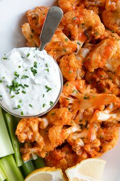 White plate with baked buffalo cauliflower and ranch dressing. Oven Baked Buffalo Cauliflower Bites are a fun and easy appetizer or snack made with just a few simple ingredients. Vegetarian Recipes, Cooking Recipes, Healthy Recipes, Pizza Recipes, Healthy Cauliflower Recipes, Califlour Recipes, Clean Eating Snacks, Healthy Eating, Healthy Food