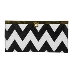 <p>Keep disorganization at bay in our sophisticatedly styled Bay Harbor wallet with plenty of compartments to meet your needs.